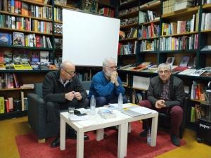 Acto de presentación en la librería Versus de Vigo el pasado 5/04/2019.